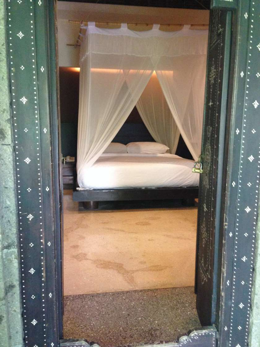 Canopy Bed at Tony's Villas